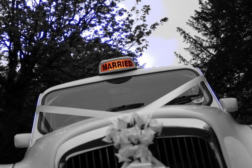 Married hire sign