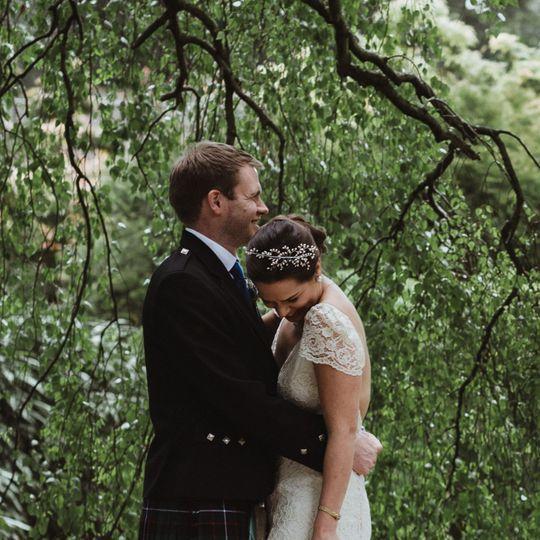 Bud pearl bridal side tiara