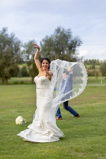 Smiling bride - Steve and Tania Photography
