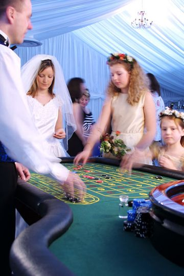 Bride & bridesmaids playing