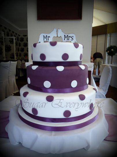 Whit & purple polka dots