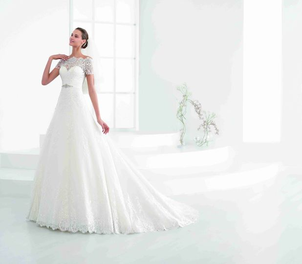 Nicole Spose Wedding Dress