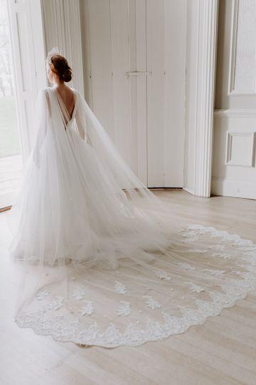 APHRODITE Bridal Cape