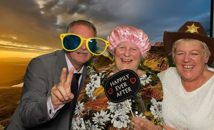 Photo Booths Smiley booth Leicestershire 10