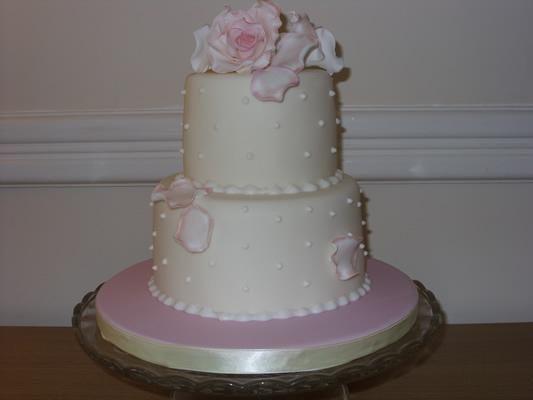 Bespoke Wedding Cakes High Wycombe