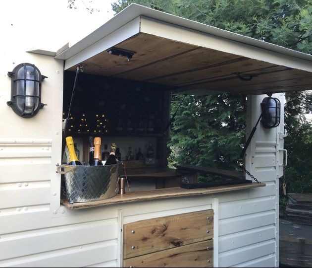mobile bar services the horse 20191113092308496