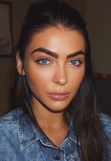 Beauty, Hair & Make Up Lily Moroney 1