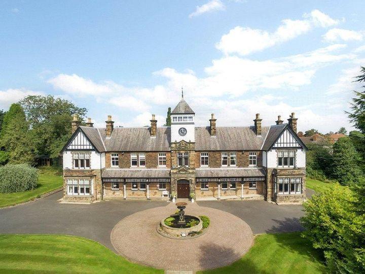 Peak Manor 6
