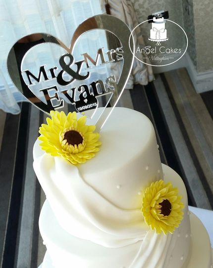 Yellow Gerbras wedding cake