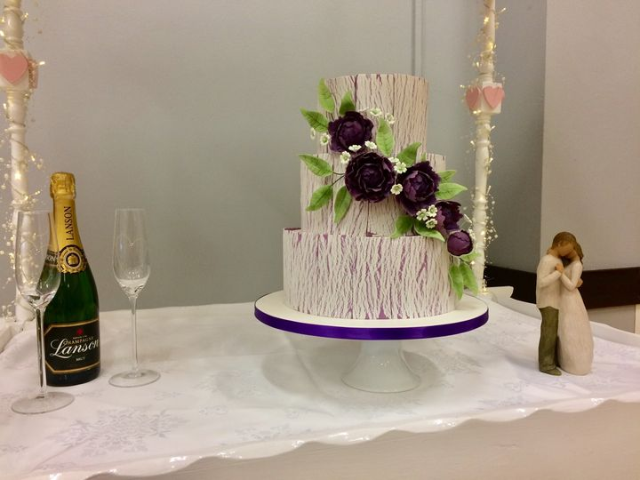 Wedding cake and bubbles