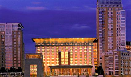 Canary Riverside Plaza Hotel 1