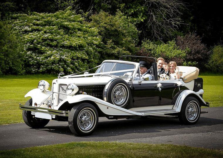 BMW 7 Series modern wedding car