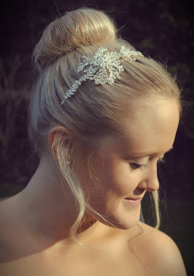 Delicate side tiara