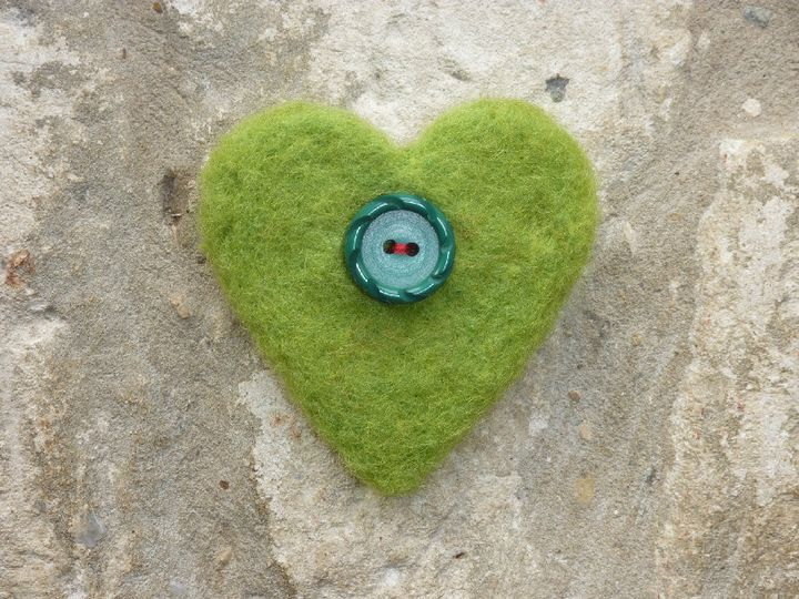 Green needlfelted heart, vintage button