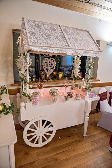 Candy cart at a wedding - Your Reflections