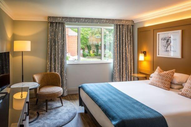Mercure Farnham Bush Hotel 24