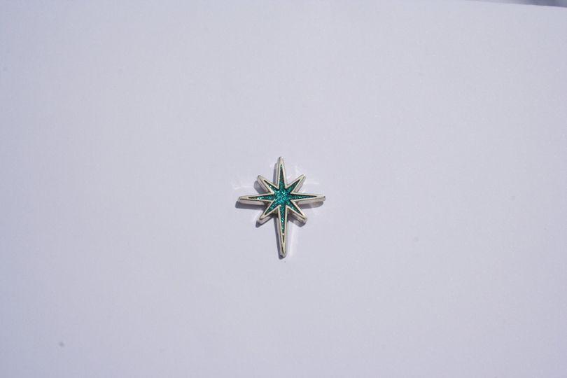 Turquoise glitter star pin bad
