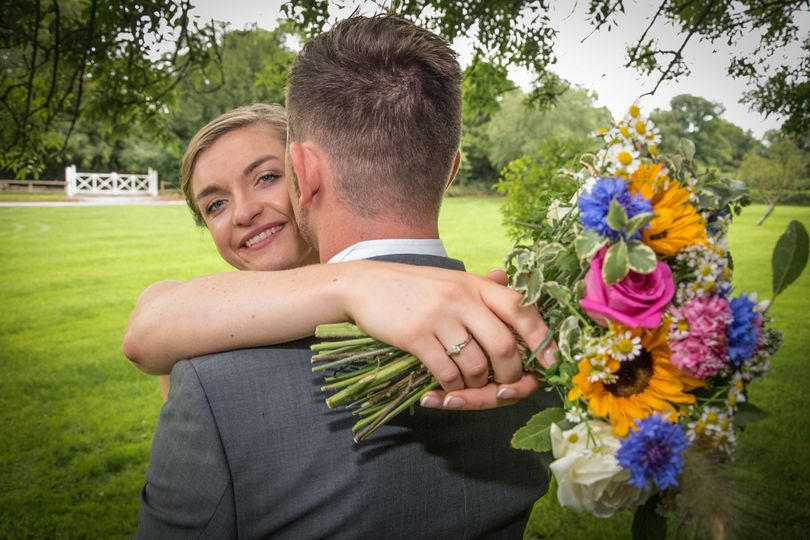 Couple embracing - Stephen Vaughan Photography