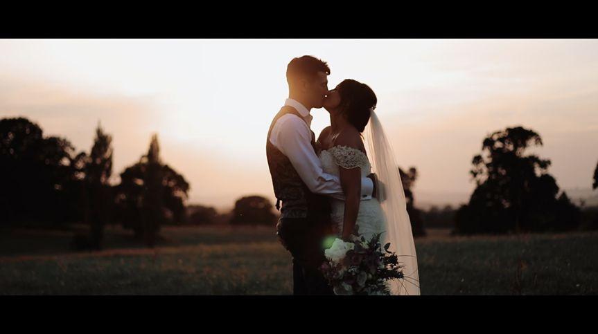 Sunset kisses - Videographers Rowe Films