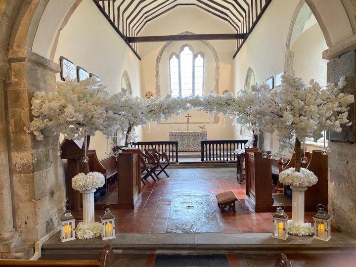 White ceremony decor