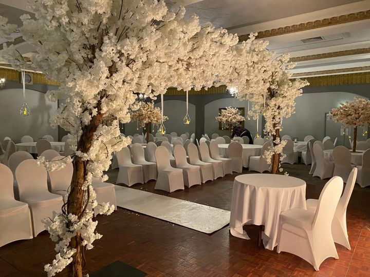 Stunning floral canopy