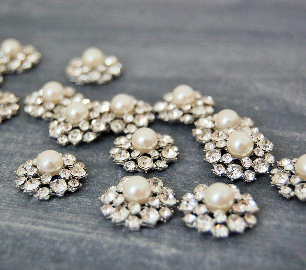 Cosenza pearl & crystal brooch