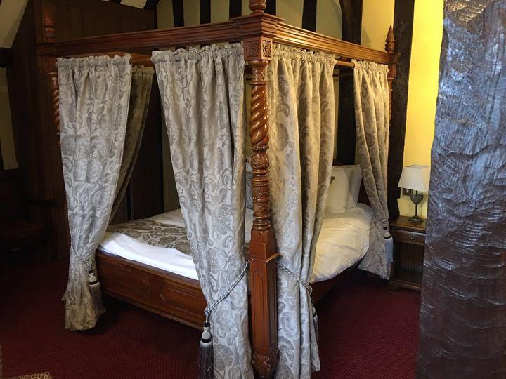 Our Fabulous 6ft Antique Four Post Bridal Suite