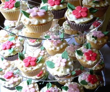 happy flower cupcakes