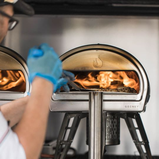Flame roaring oven