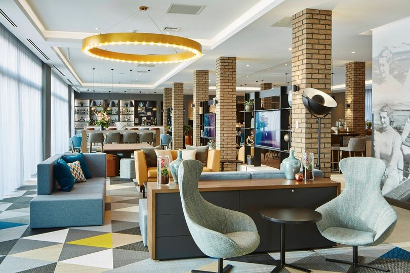 Courtyard by Marriott Oxford South 8