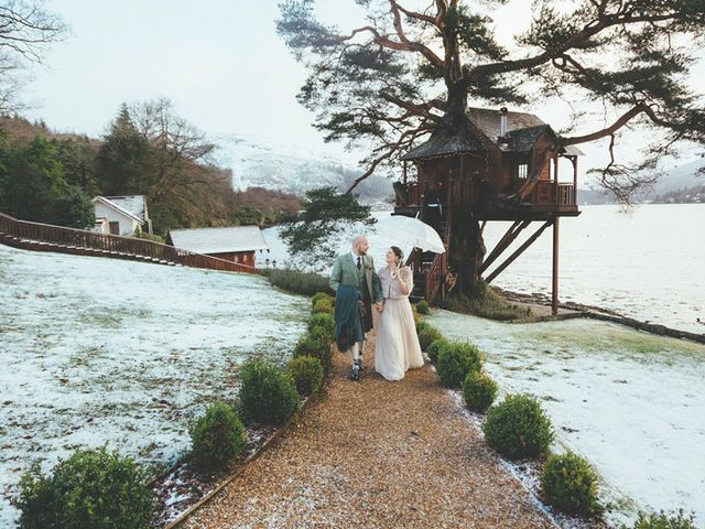 5 Drop Dead Gorgeous Treehouse Wedding Venues in the UK