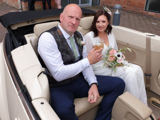 LEICESTER WEDDING CARS 4