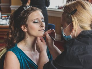 Loxus Hair and Make-up by Maya Jasinska HMUA 5