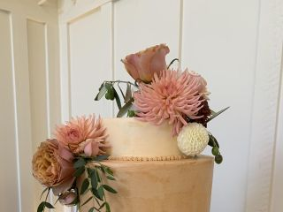 Fuchsia Blooms Bakes 2