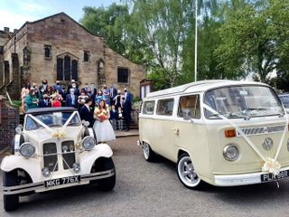 His & Her's Wedding Cars 1