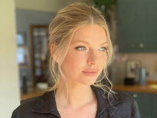 Hannah Dora Professional Makeup 1