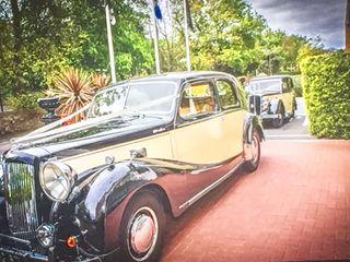 Lothian Classic Wedding Cars 3