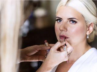 Niki Lawrence Professional Make-up Artist 1