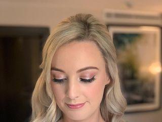 Jessica Short Hair & Makeup 3
