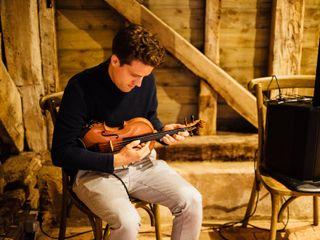 Joel Grainger (Live Looping Violinist) 1