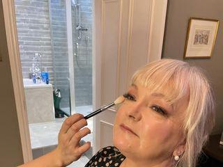 Robyn Wilson Hair & Makeup Artist 2