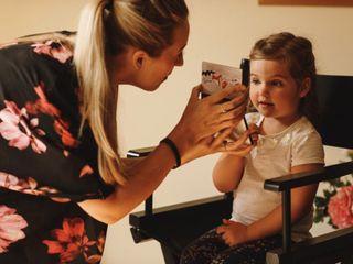 Hannah Dora Professional Makeup 3