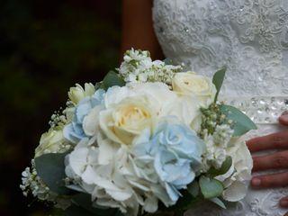 Mrs Bouquet Wedding/Event Floral Design 1