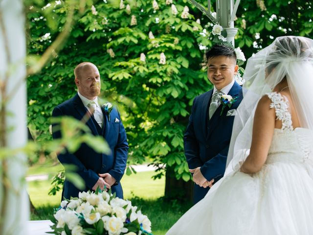Chanelle and Que's Wedding in St Albans, Hertfordshire 8