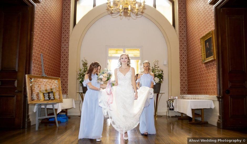 Imogen and Dan's Wedding in Chippenham, Wiltshire