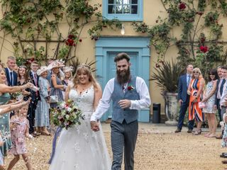 Fizzy & Harry's wedding