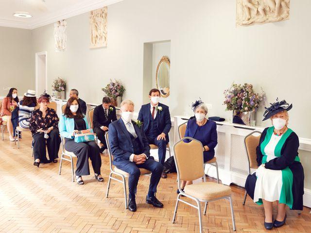 Rebecca and Jon's Wedding in Twickenham, Middlesex 31