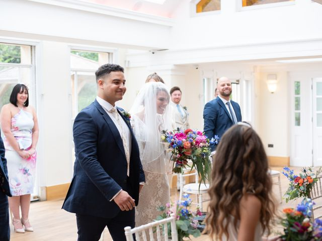Kyan and Rhianna's Wedding in Richmond-upon-Thames, Surrey 15