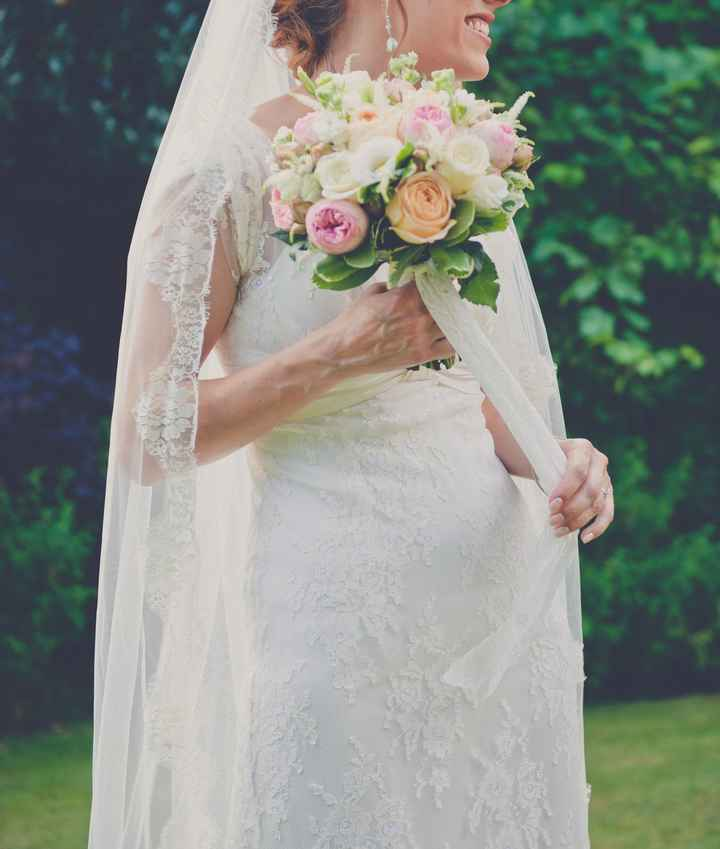 Gorgeous Fine Lace Wedding Dress Size 10 For Sale. Cymbeline Cadiz. - 4