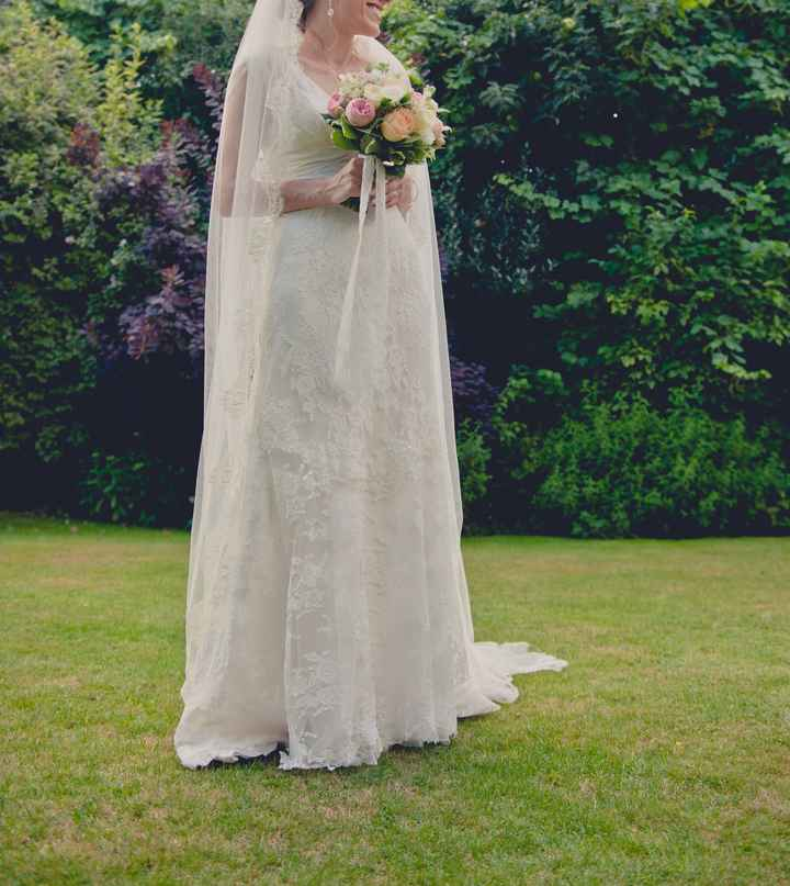 Gorgeous Fine Lace Wedding Dress Size 10 For Sale. Cymbeline Cadiz. - 5